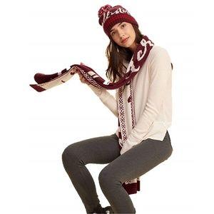 HOLLISTER Textured Knit Scarf